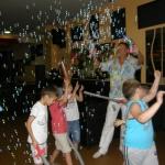 смях, забава и балони